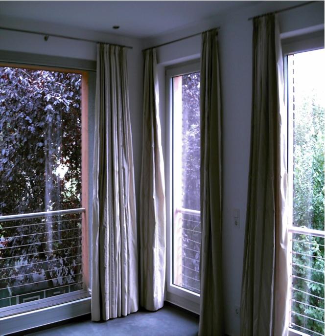 Stangensystem mit blickdichten Vorhängen